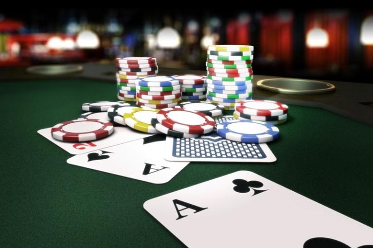 Ставки на спорт и азартные карточные игры, играть в покер играть в игры автоматы клубничка